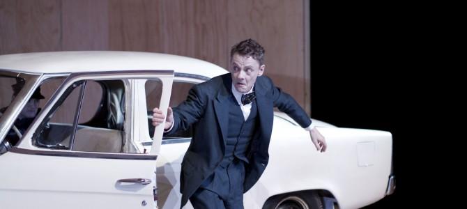 """Brechts """"Puntila"""" – fornyet og alligevel ortodoks på Det Kongelige Teater."""