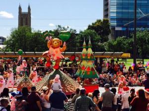 Juleparade Adelaide bamse