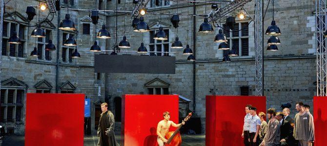 Shakespeare på Russisk – på Kronborg. Værd at se.
