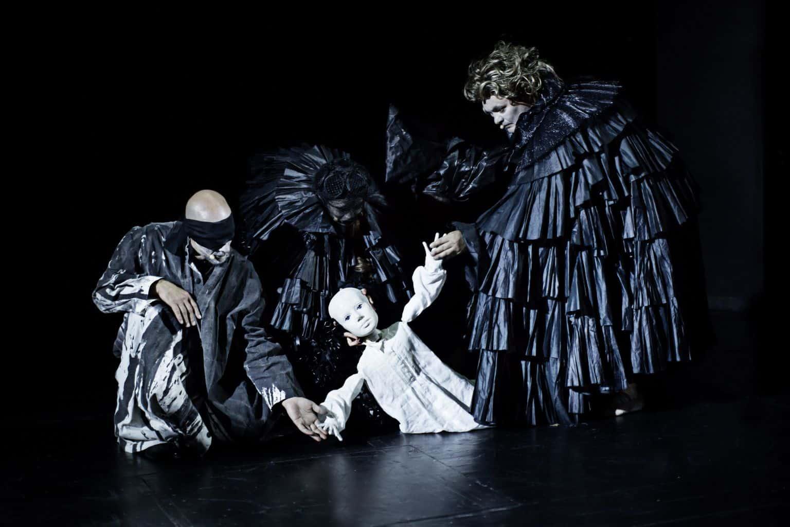 Jimmy Jørgensen og Lotte Andersen i Beethoven på Bellevue Teatret. Foto: Isak Hoffmeyer.