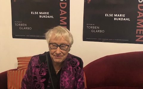 Verdensdamen. Portrætfilm om Else Marie Bukdahl – af Torben Glarbo.