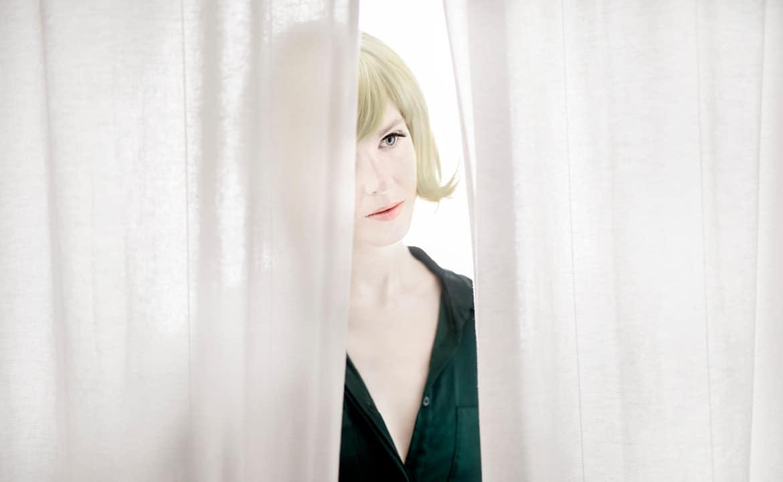 The doll behind the curtain – Den Åbne Opera på Takkelloftet.